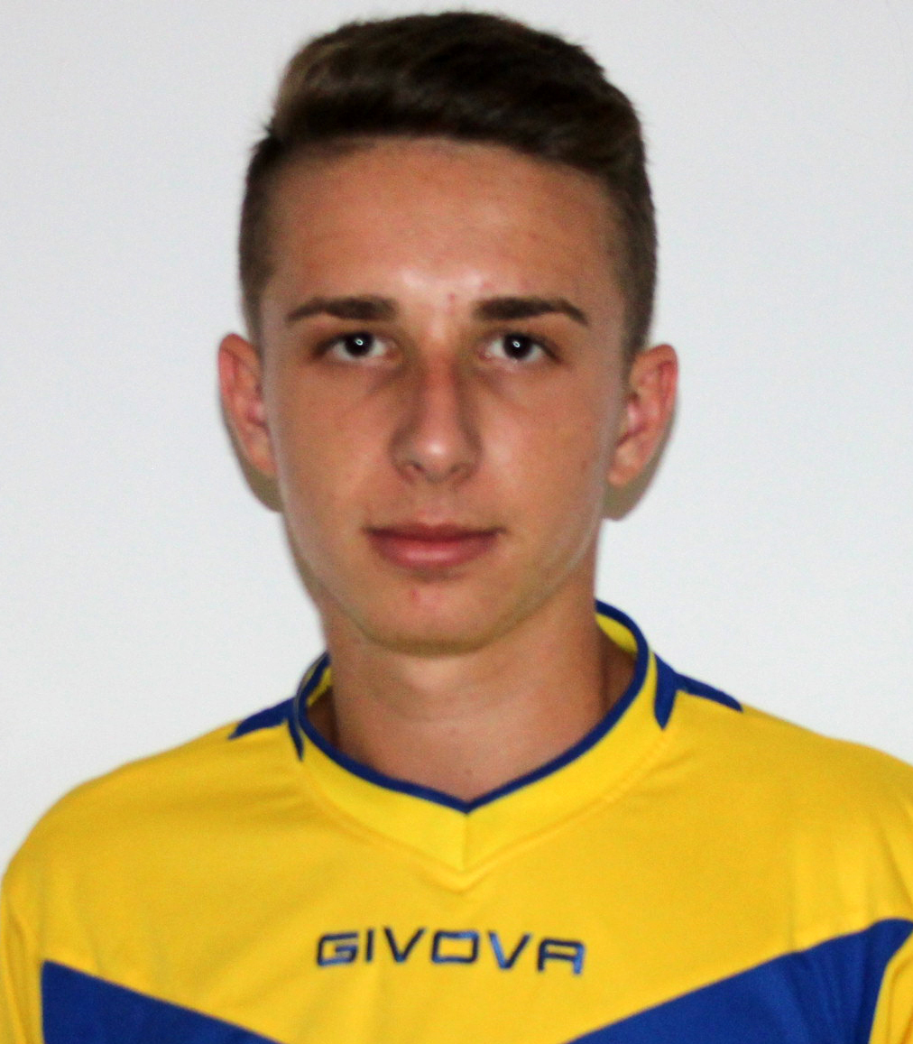 jucatorul Letoiu Adrian Mihaita